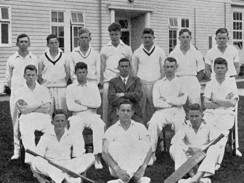 1943--Cricket-